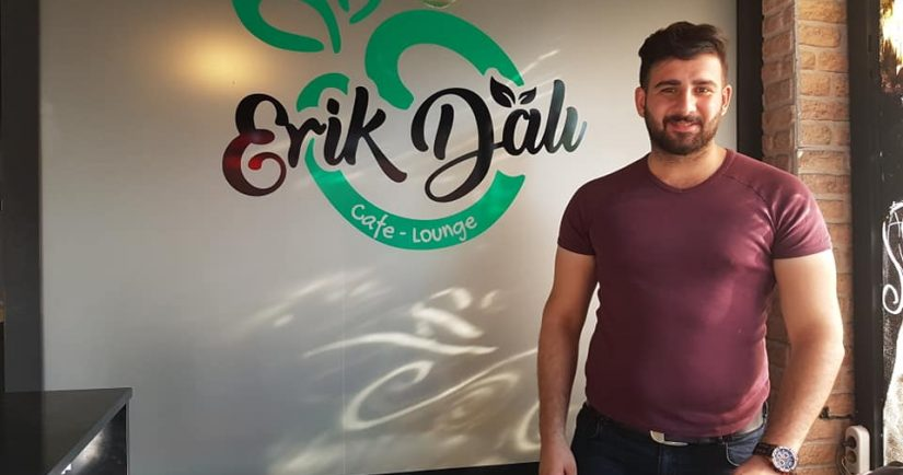 ERİK DALI & Cafe-Launge (Ömer Faruk SAYOĞLU)